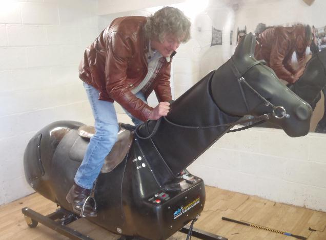 James_May_Equicisor_web